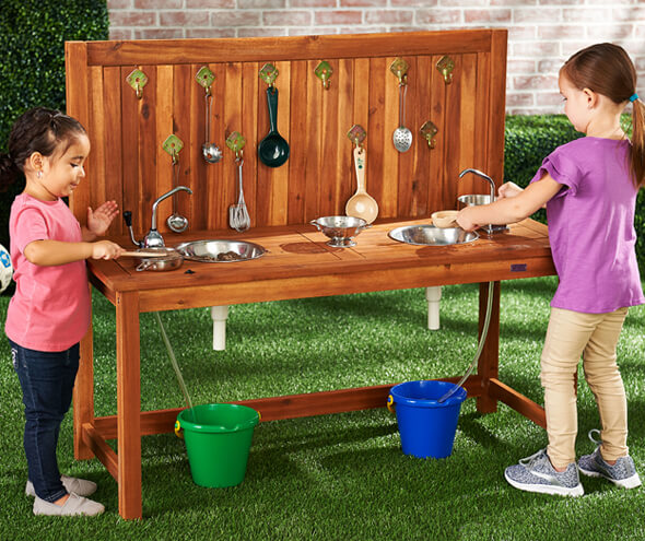 Mud Kitchen_590_495.jpg